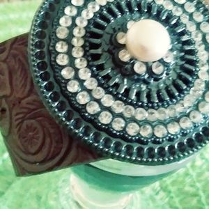 Jewelry - BEAUTIFULLY DESIGNED LEATHER CRYSTALS & PEARL CUFF